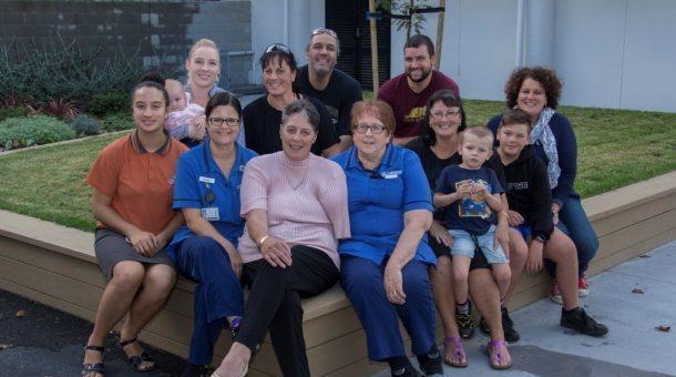 Colleen with Bronwyn Denize, Jenny Dorrian (Trauma nurses) and whānau